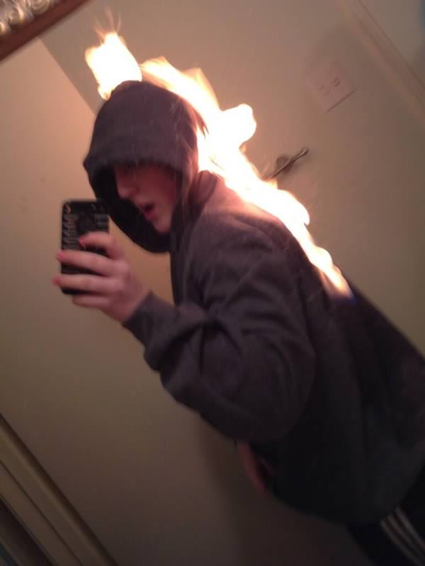 a98889_extreme-selfie_6-burning