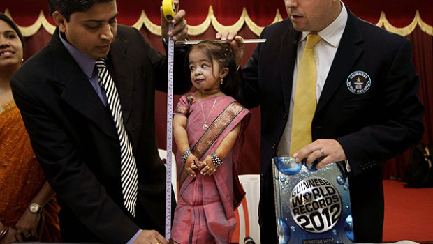 Worlds-Shortest-Woman-2011