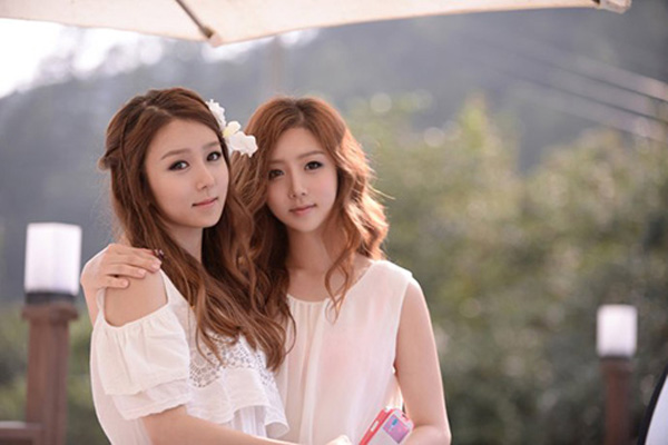 korean-twins-14