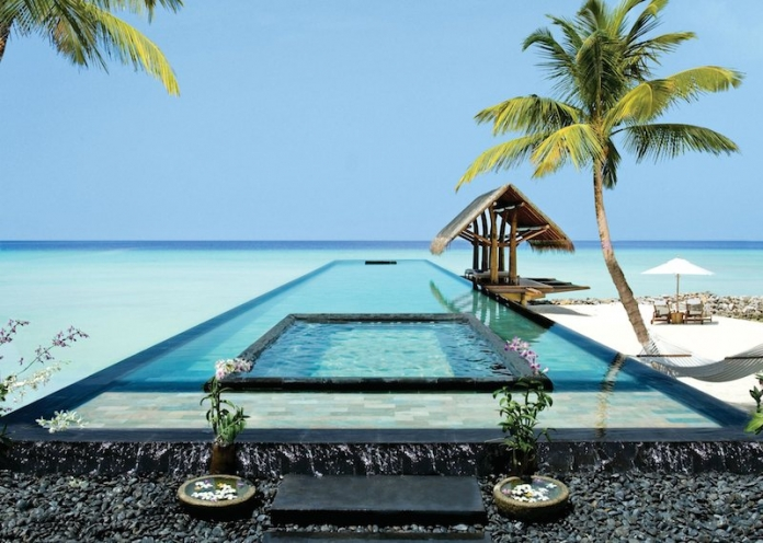 swimming-pool-in-the-maldives-copy